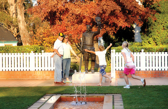 The Statue of Sir Donald Bradman